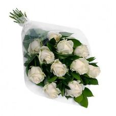 Букет из 11 высоких белых роз
